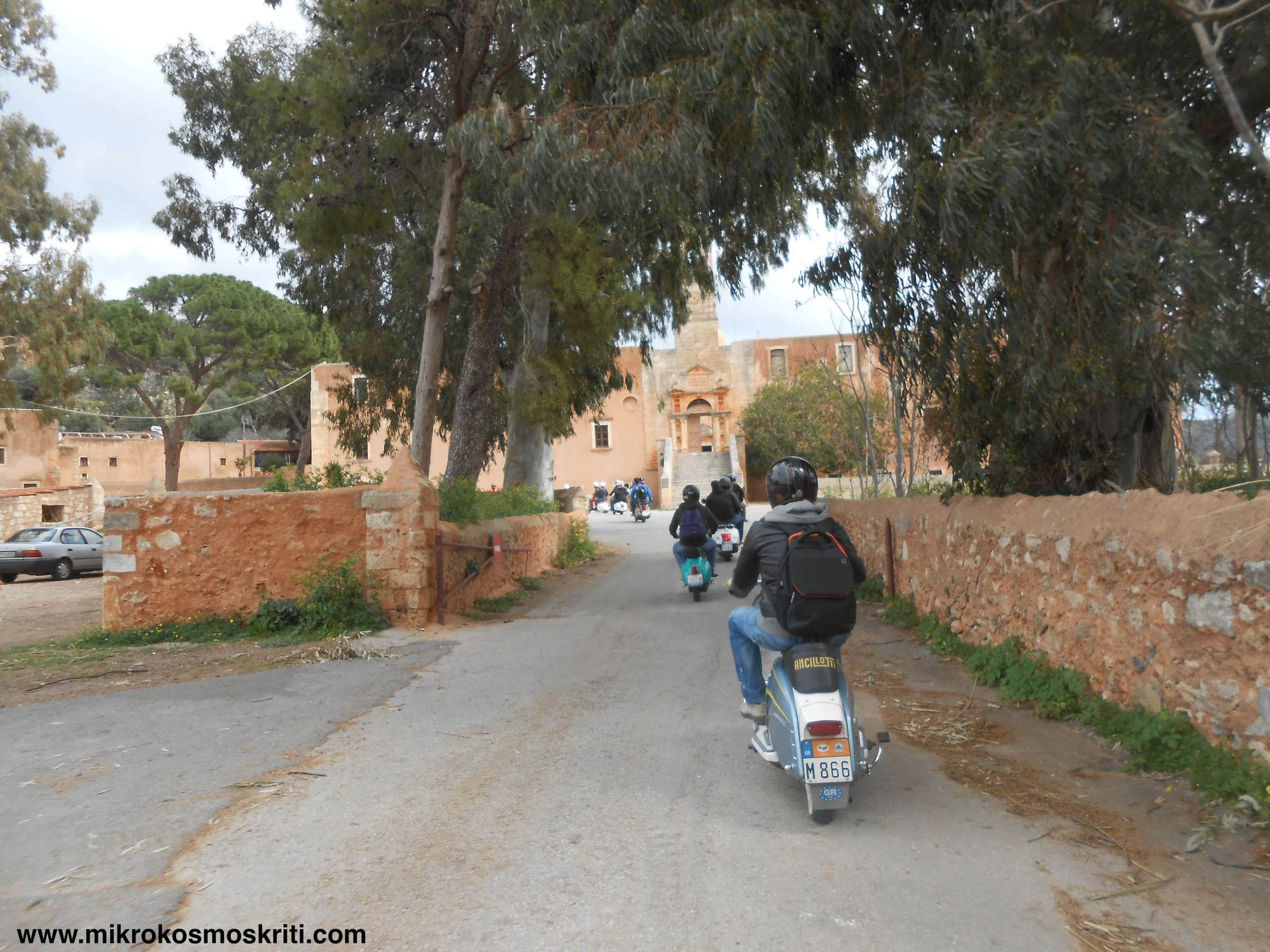 Vespa tour ad Agia Triada
